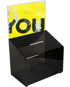 Sort akryl-boks med a4 skilteholder, slids og nøgle lås