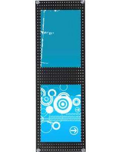 Flot væg-monteret hulplade i sort med plads til brochureholder og skilteholder
