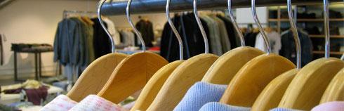Køb tøjbøjler og træbøjler online til gode priser